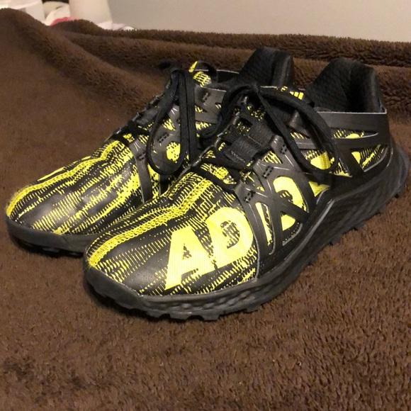 e007b377f54ce adidas Other - Adidas kids Vigor Bounce
